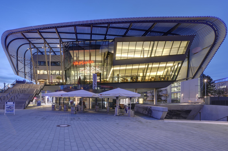 Projeto de Iluminação: Terminal Central de Ônibus / Pfarré Lighting Design, © Andreas J. Focke / architekturfoto.org