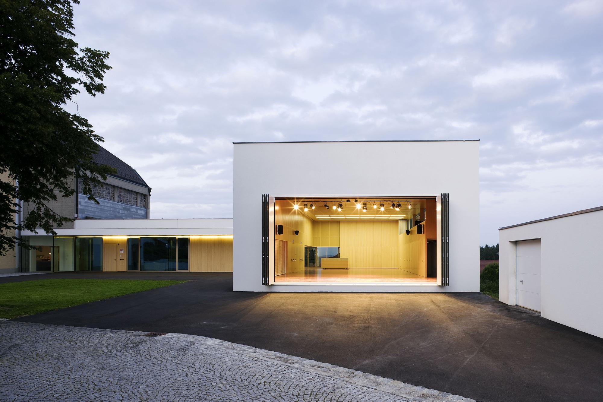 Centro Paroquial Kirschlag / Schneider & Lengauer, © Paul Ott