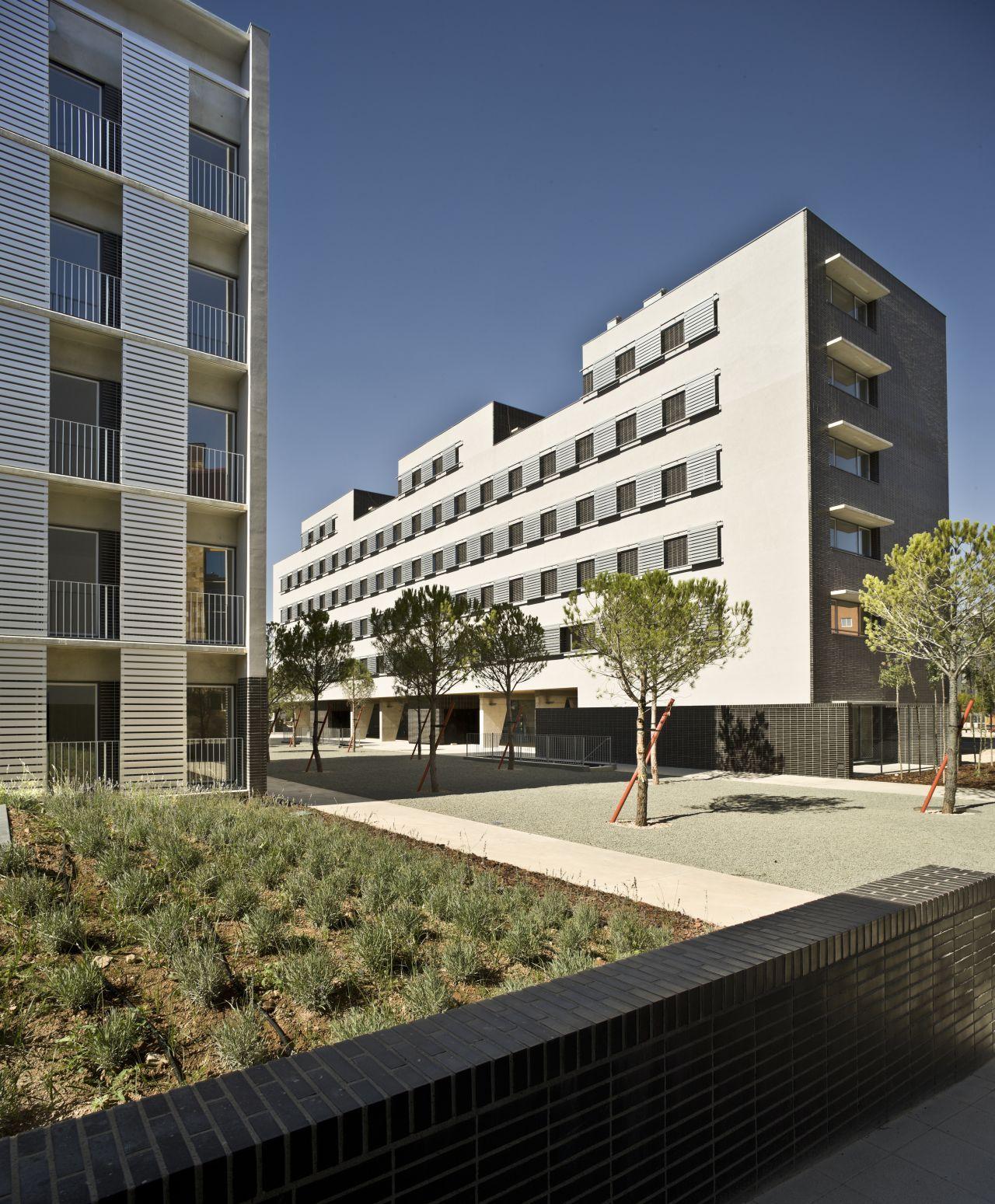 Conjunto Habitacional em Albacete / Burgos & Garrido arquitectos, © Ángel Baltanás