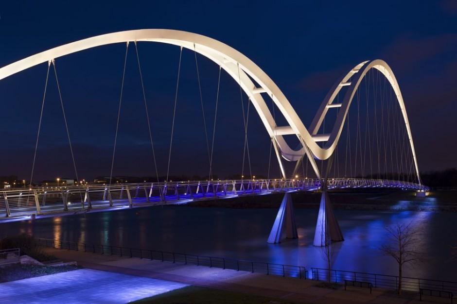 Iluminação da Ponte Infinity / Speirs and Major Associates, © James Newton