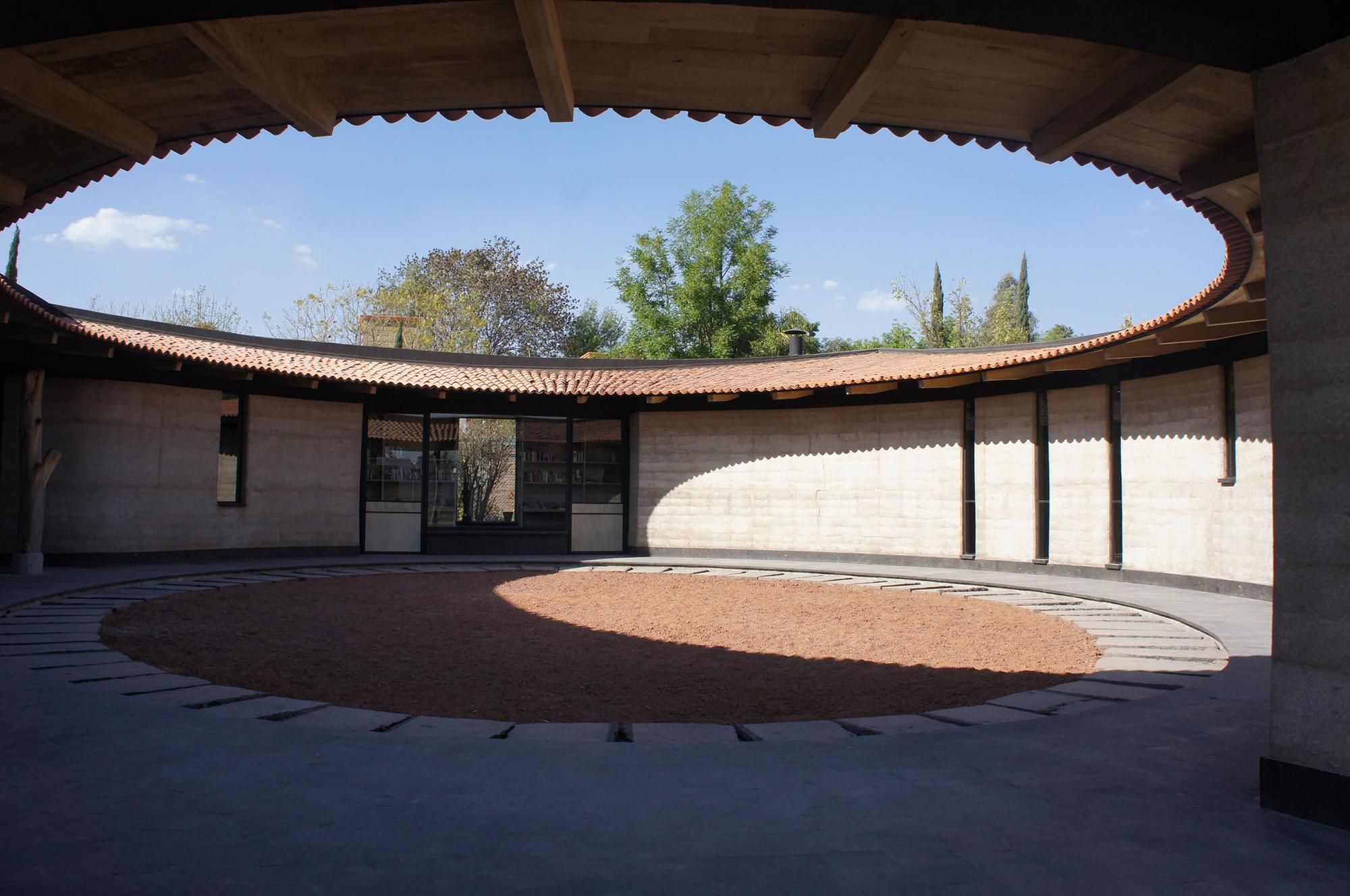 Casa-Estúdio Sabinos / Juan Carlos Loyo Arquitectura, © Juan Carlos Loyo