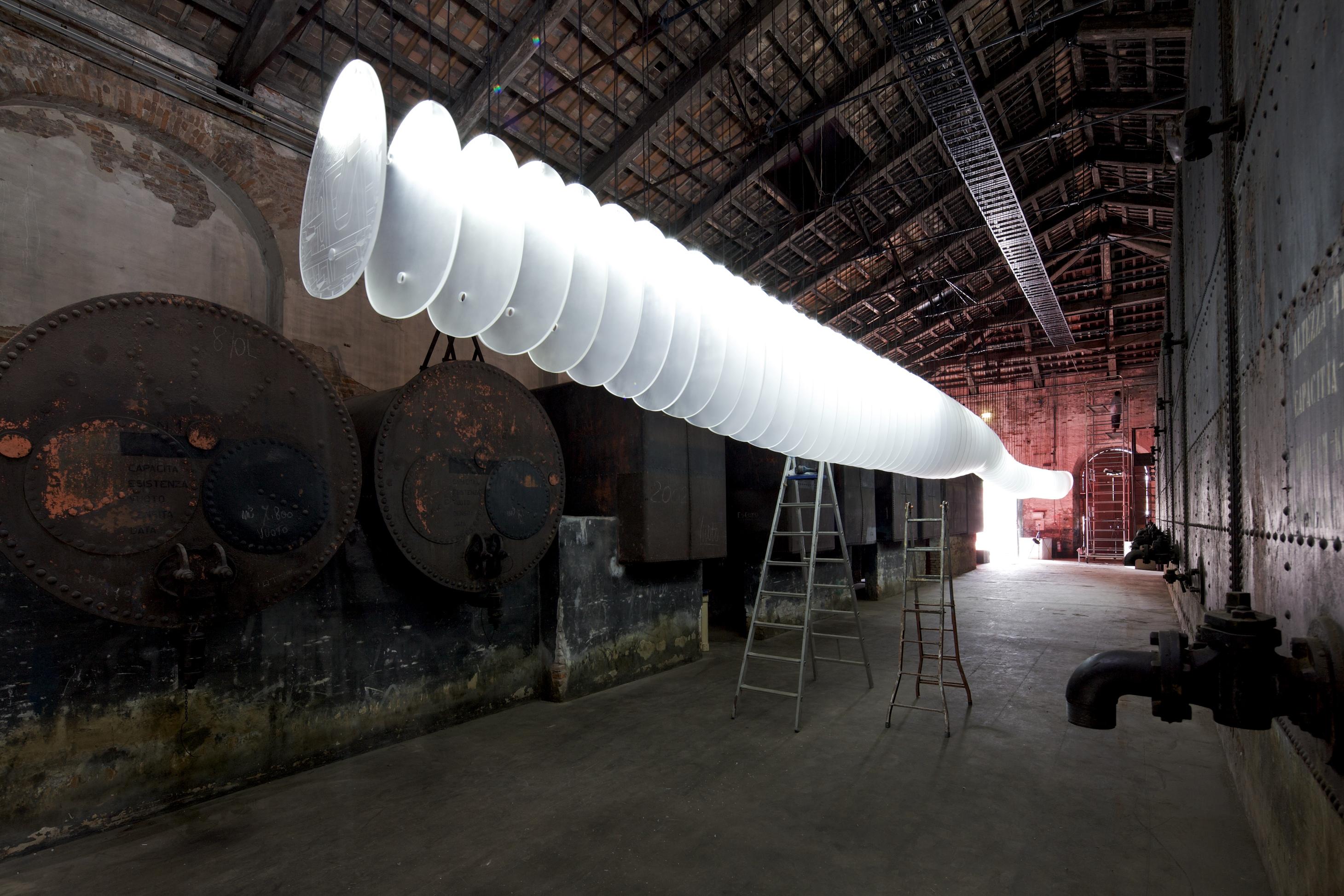 """Bienal de Veneza 2012: """"Originaire"""" / Pavilhão da China , """"Sequence"""" de Shao Weiping © Nico Saieh"""
