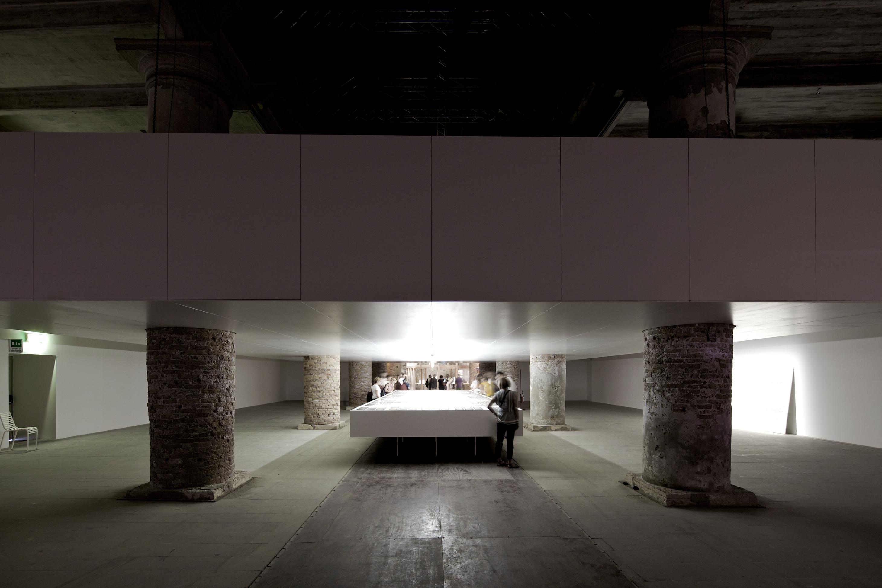 """Bienal de Veneza 2012: """" Imagens gráficas - Mostra de Arquitetos Contemporâneos"""" / Valerio Olgiati, © Nico Saieh"""