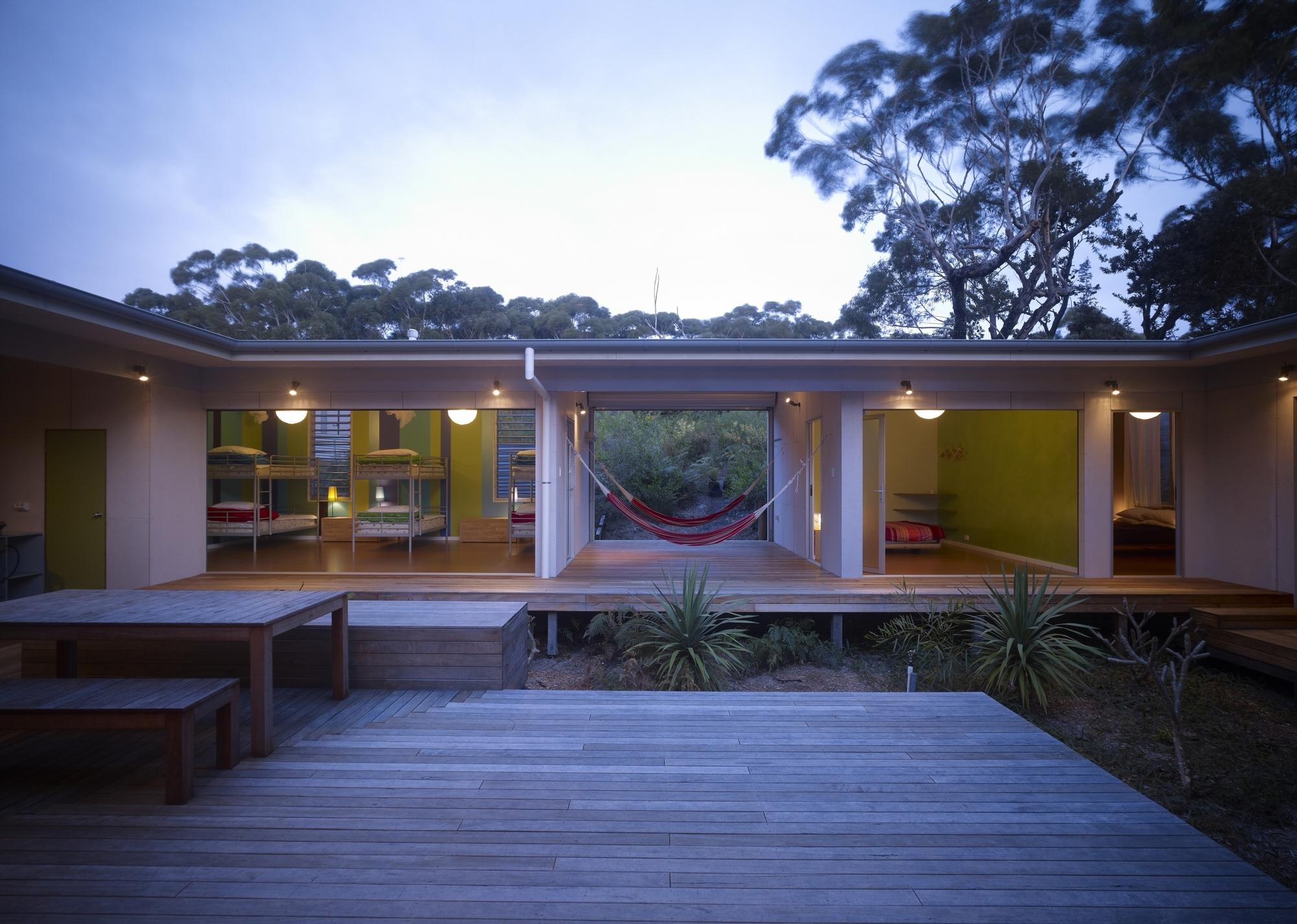 Дом с внутренним двором фото