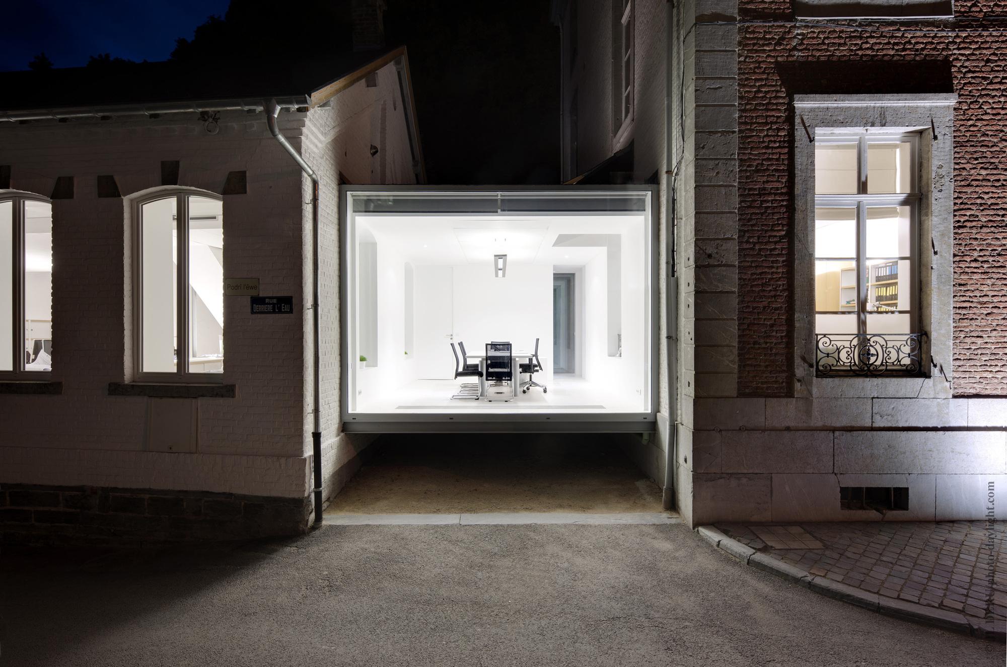 Artau Bureau / Artau Architecture, Cortesia de Artau Architecture
