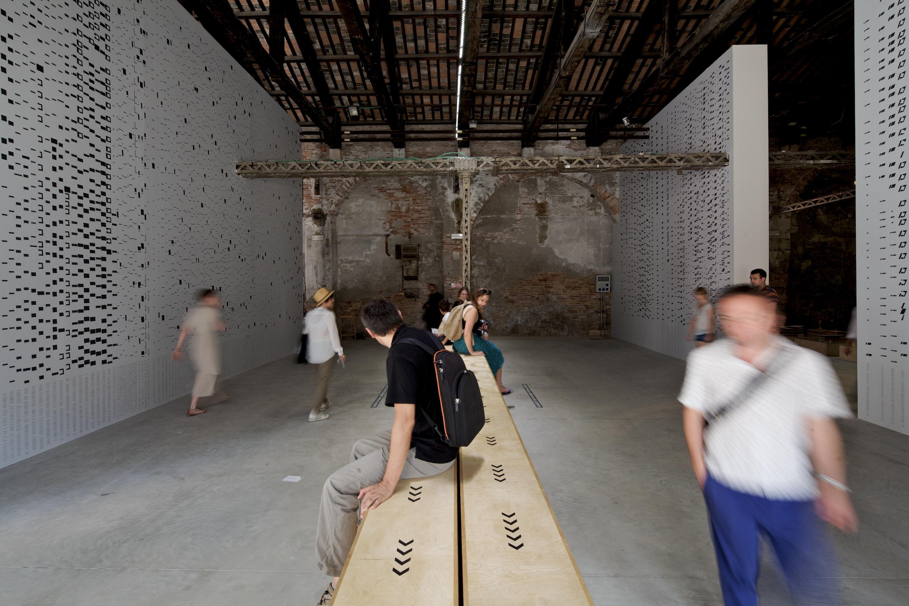 """Bienal de Veneza 2012: """"Shifting Grounds (Além da Arquitetura Nacional)""""/ Pavilhão da Irlanda, © Nico Saieh"""
