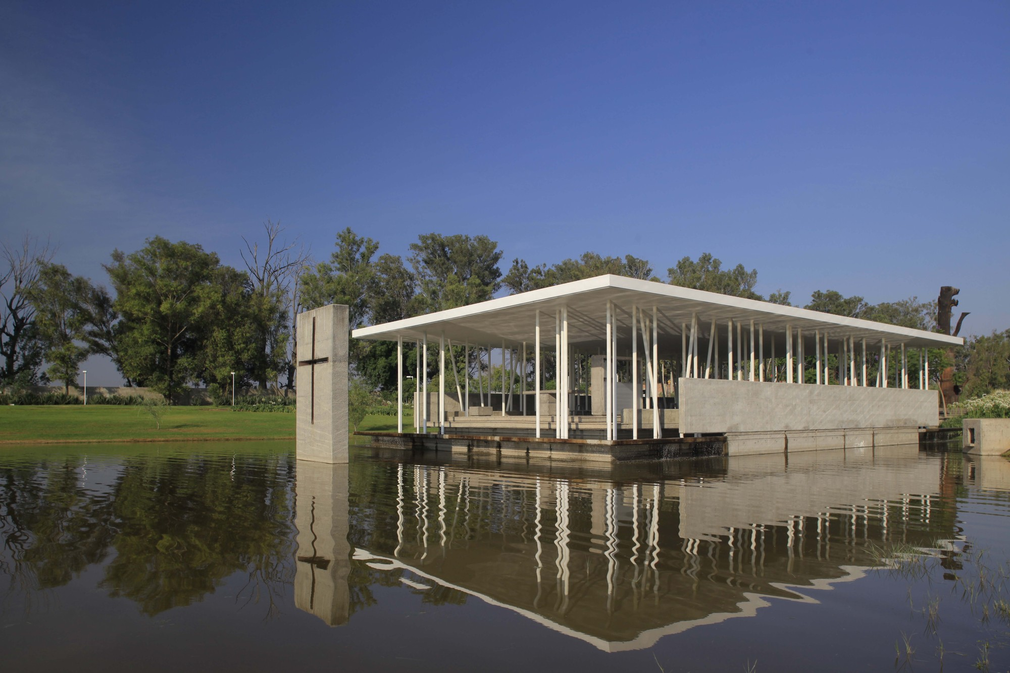Capela do Lago / Divece Arquitectos, © Carlos Díaz Corona