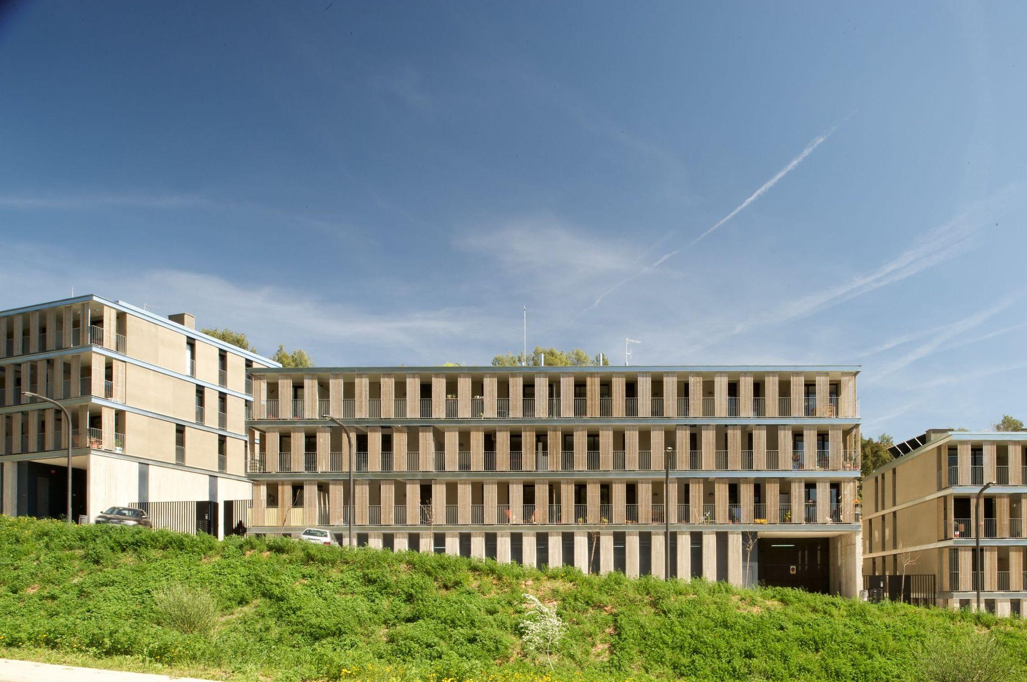 Conjunto Habitacional em Torrelles de Llobregat / BB Arquitectes, © Filippo Poli