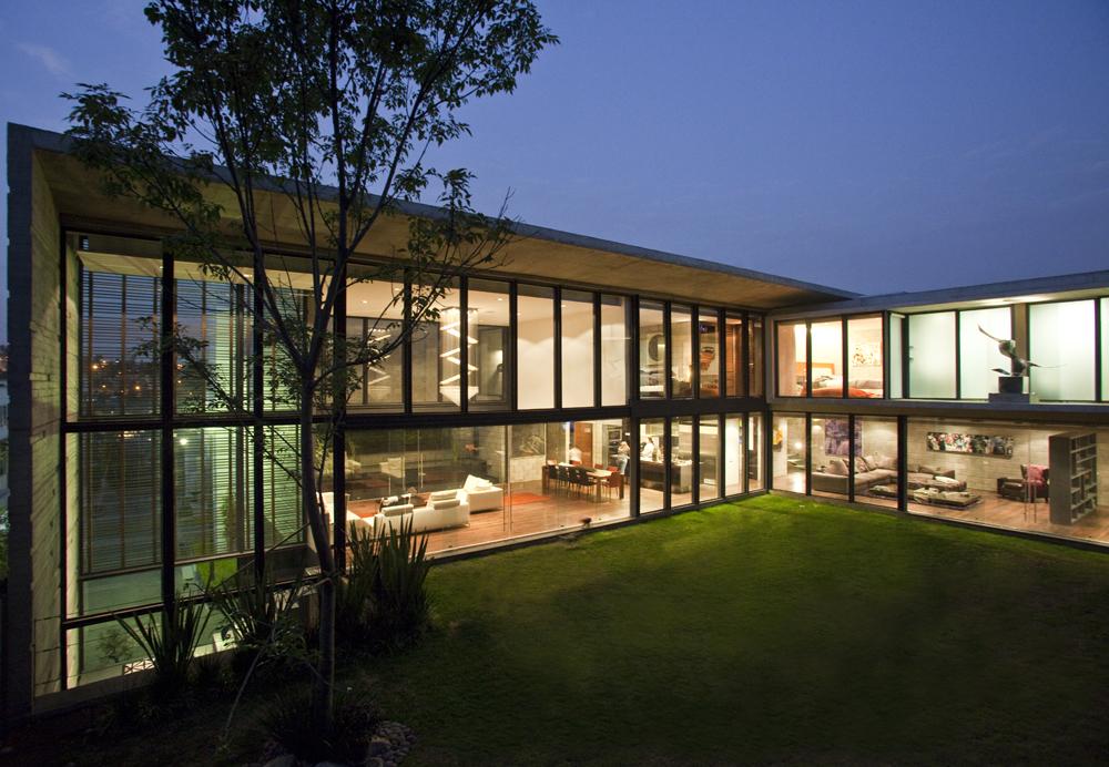 Casa h24 r zero arquitectos archdaily brasil for Piani casa netti zero