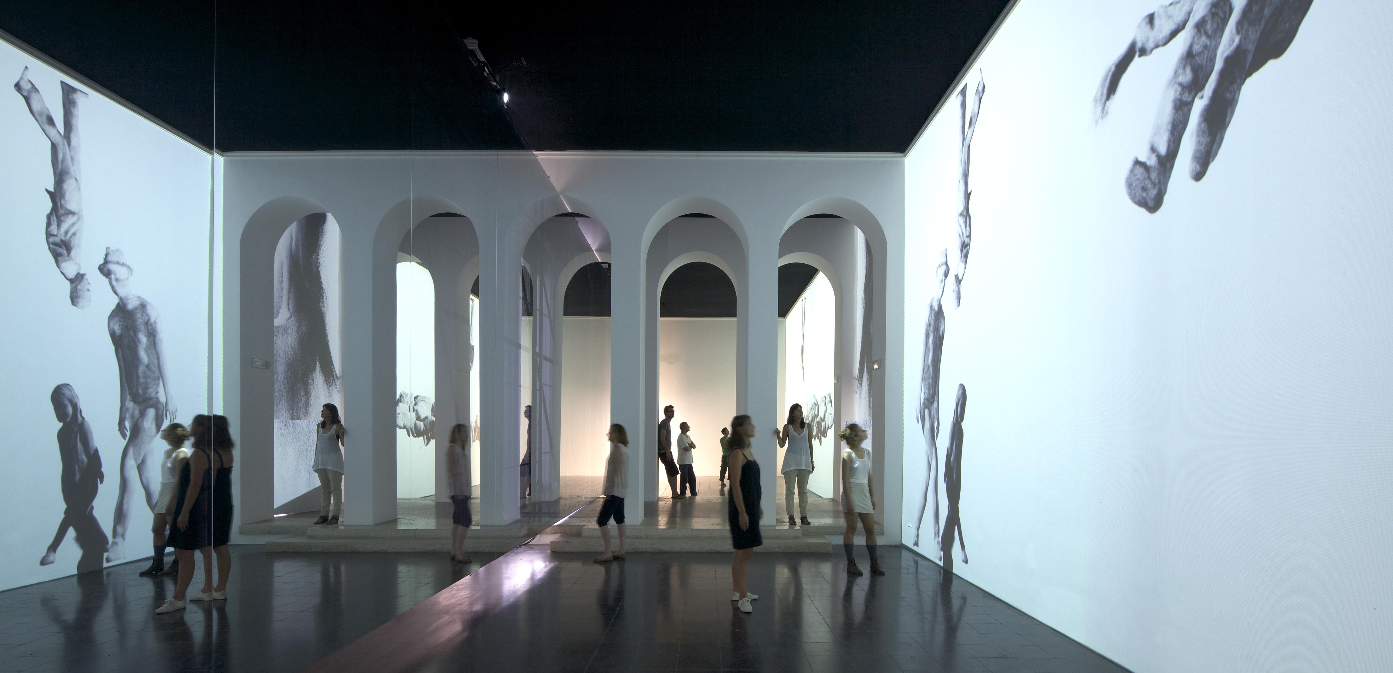Bienal de Veneza 2012: Hands Have No Tears To Flow / Pavilhão Austríaco, © Günter