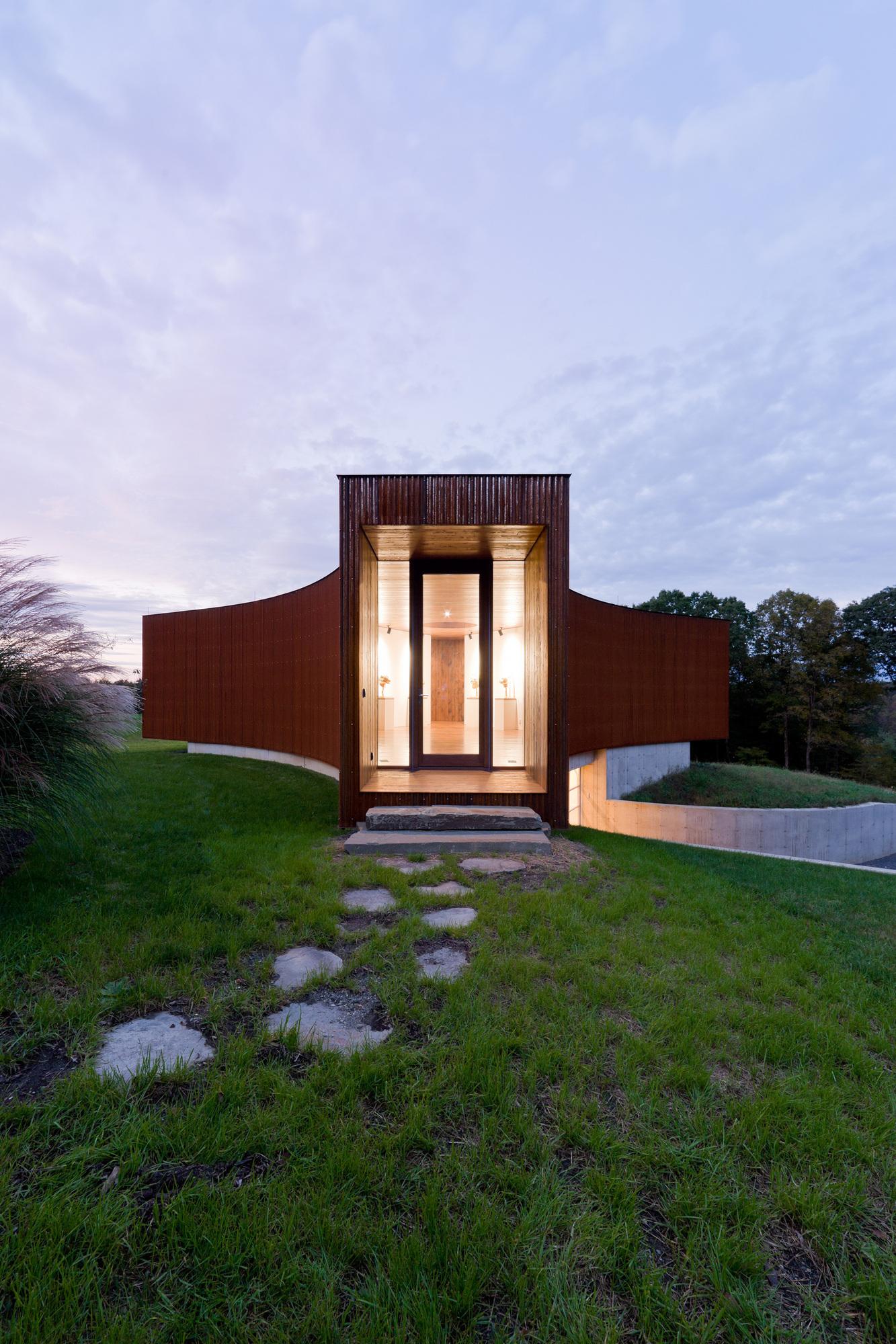 Casa de Hóspedes / HHF architects + Ai Weiwei, © Iwan Baan