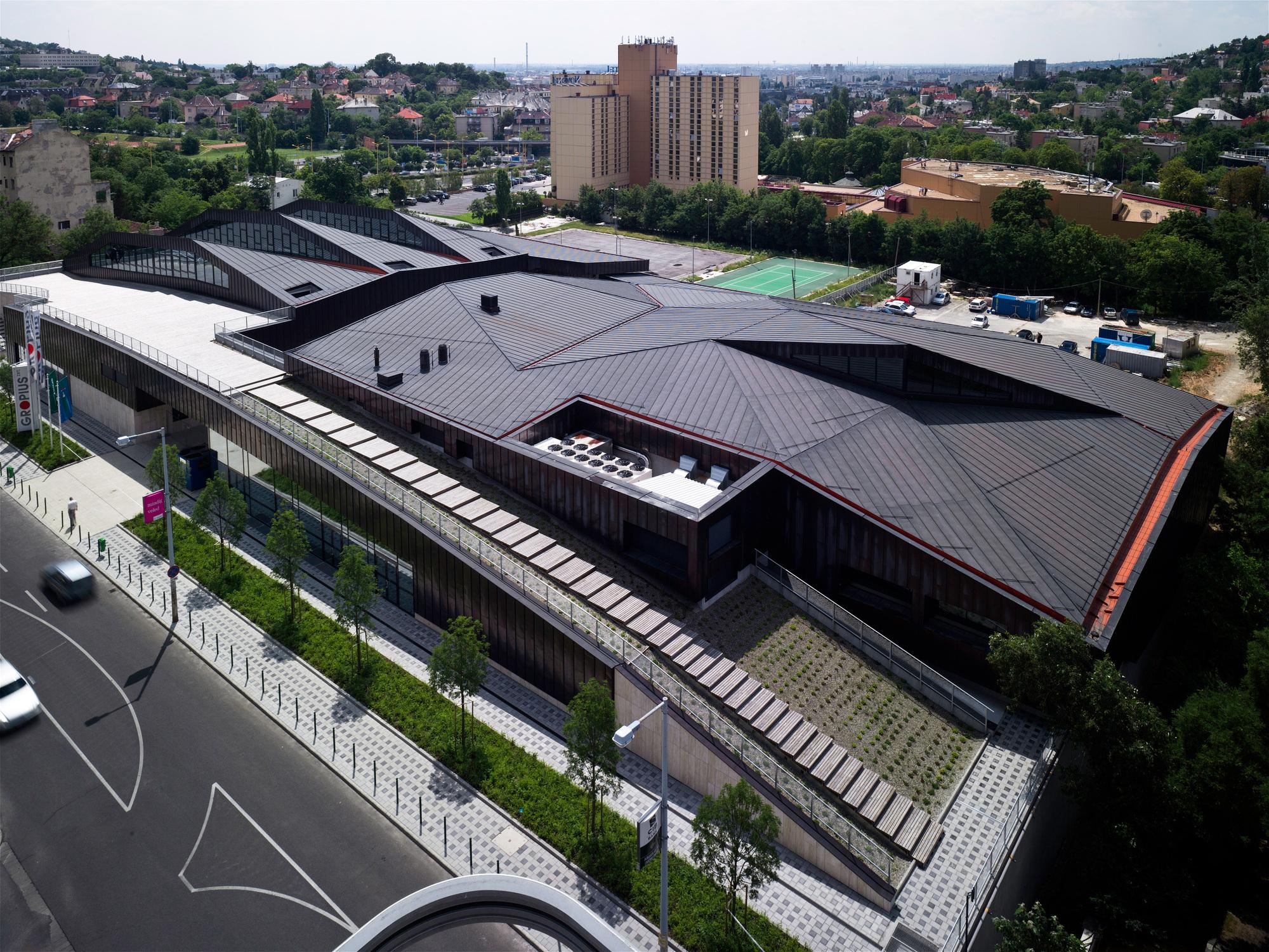 Centro Desportivo Csörsz / T2.a Architects, © Zsolt Batár