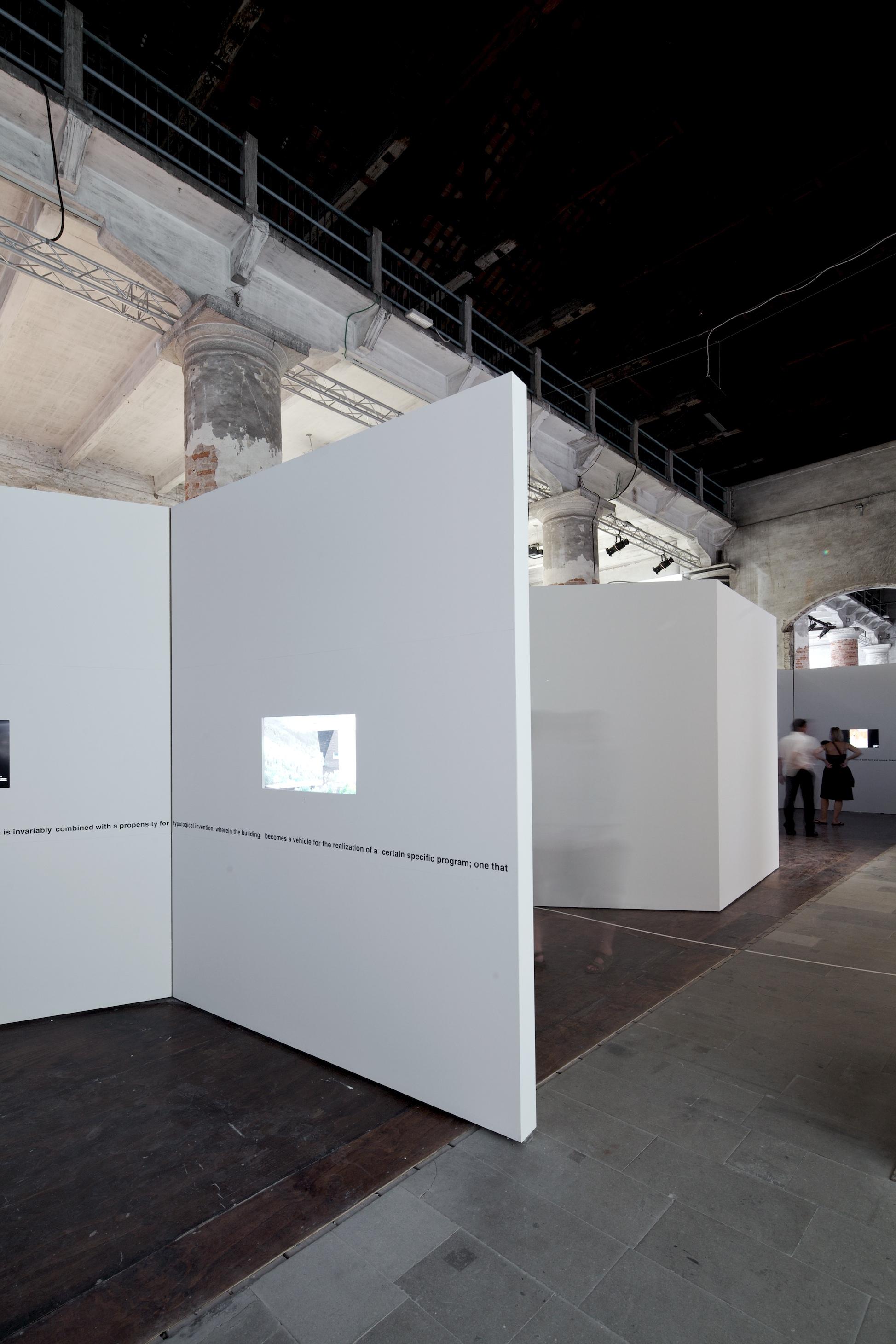 Bienal de Veneza 2012: Cinco Arquitetos Norte-Americanos / Kenneth Frampton , © Nico Saieh