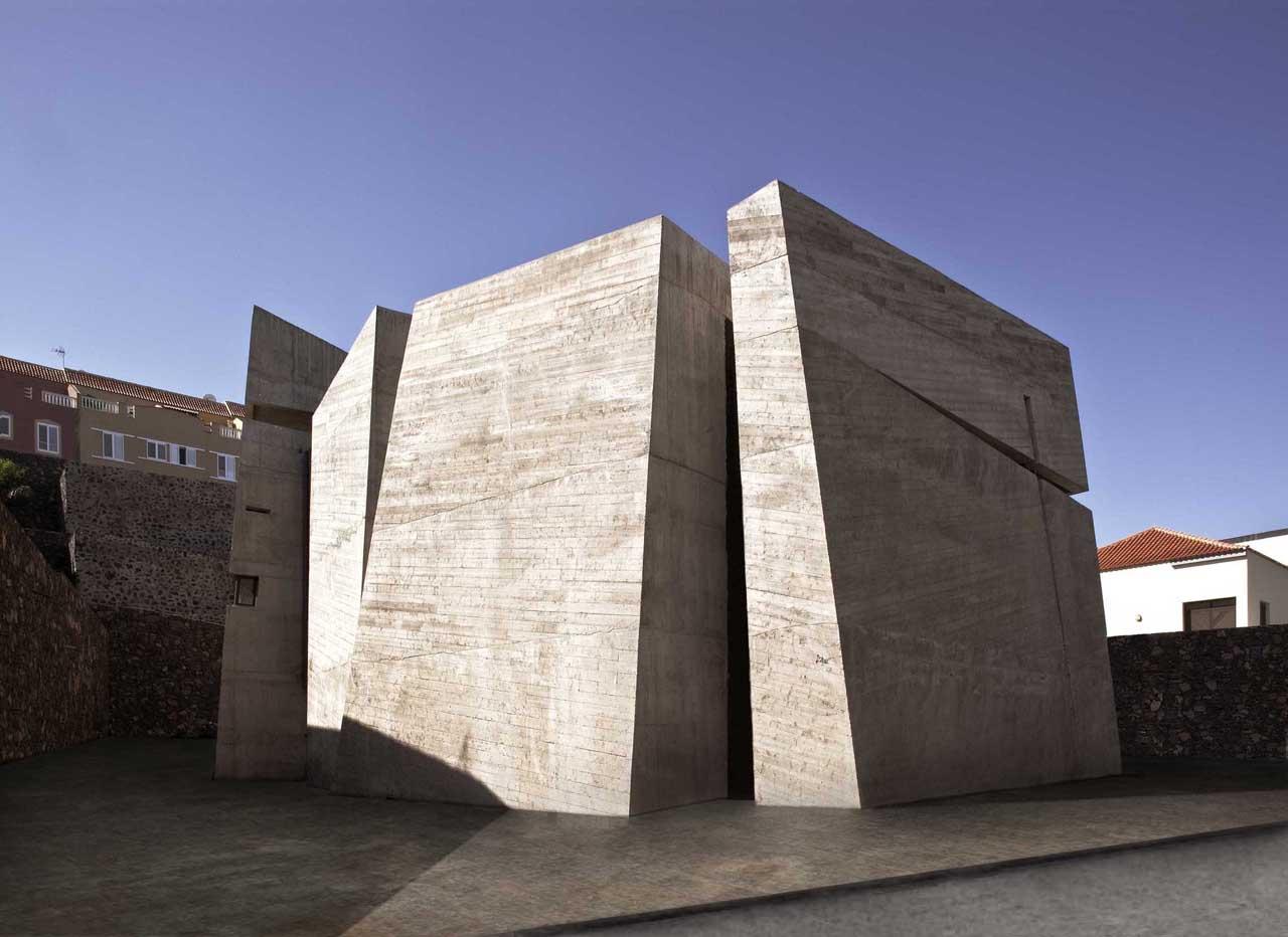 Igreja do Santíssimo Redentor / Menis Arquitectos, Cortesia de Menis Arquitectos