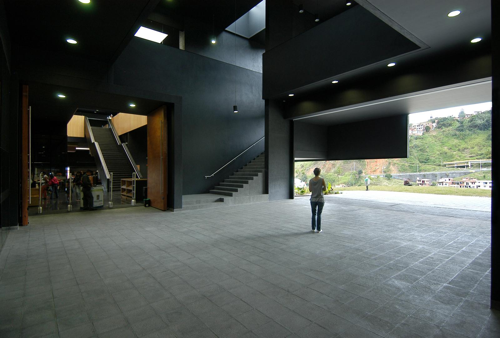 galeria de parque biblioteca fernando botero g ateliers architecture 4. Black Bedroom Furniture Sets. Home Design Ideas