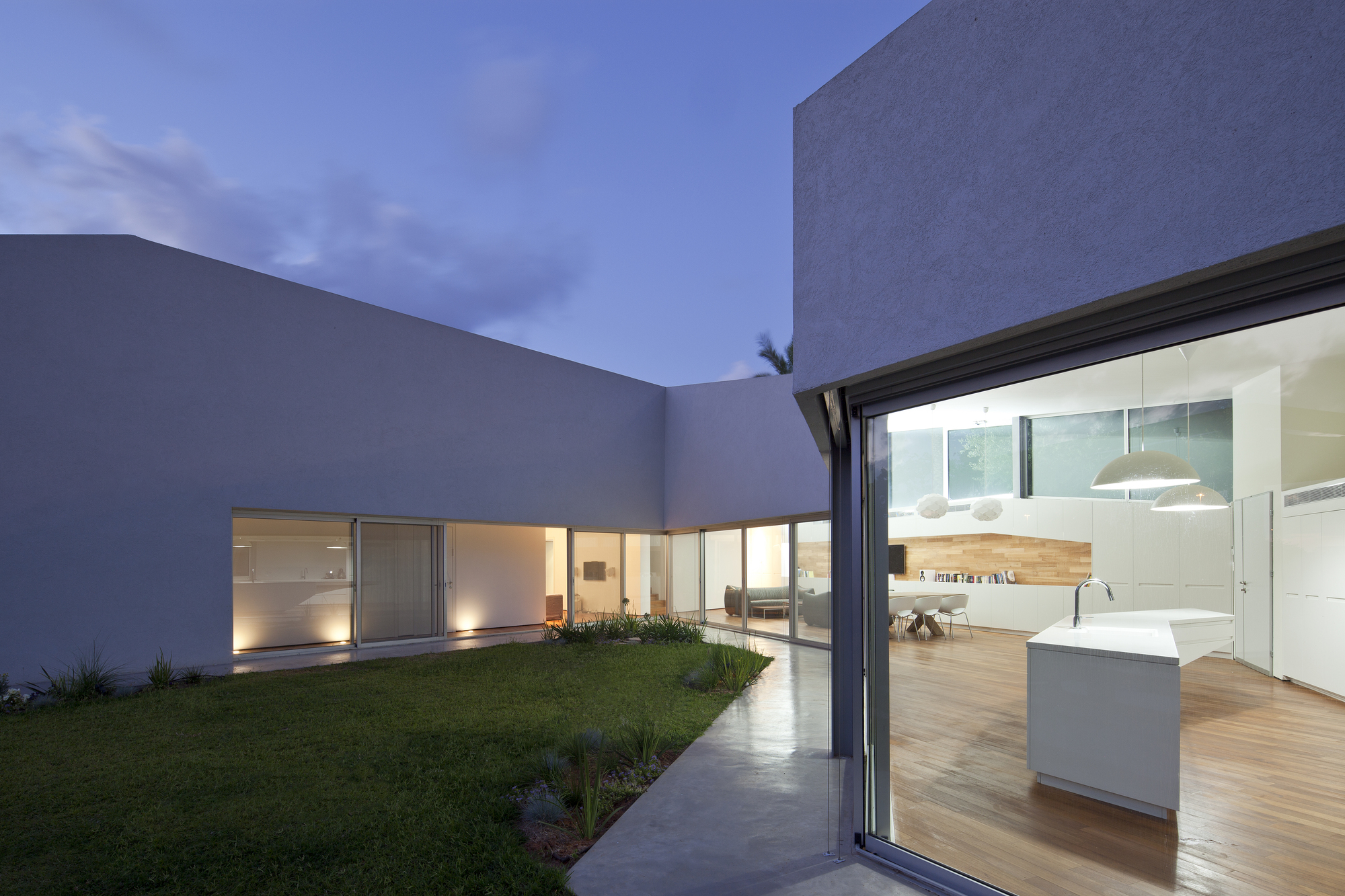 Habitação em Hofit / Paritzki & Liani Architects, © Amit Geron