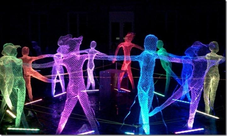 Esculturas colorem a Nuit Blanche de Paris, Imagens via http://madmag.com.br