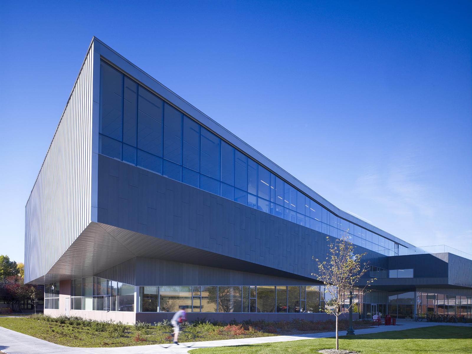 Escola de Negócios Beacom / Charles Rose Architects Inc., © John Linden