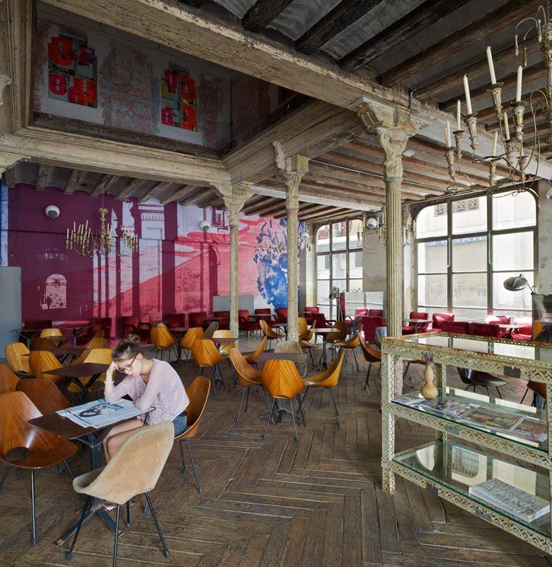 Ocaña Bar e Club em Barcelona / Ocaña, © Iñigo Bujedo Aguirre