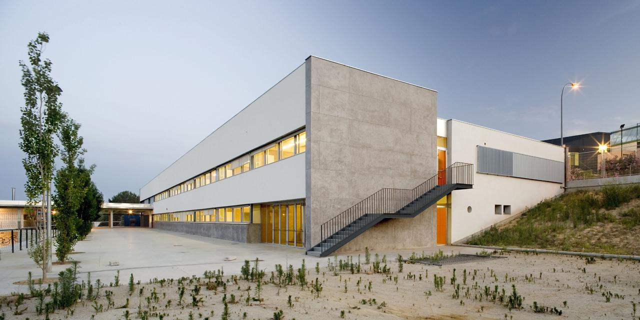 Instituto Sant Esteve Sesrovires / Jordi Farrando, © Adrià Goula