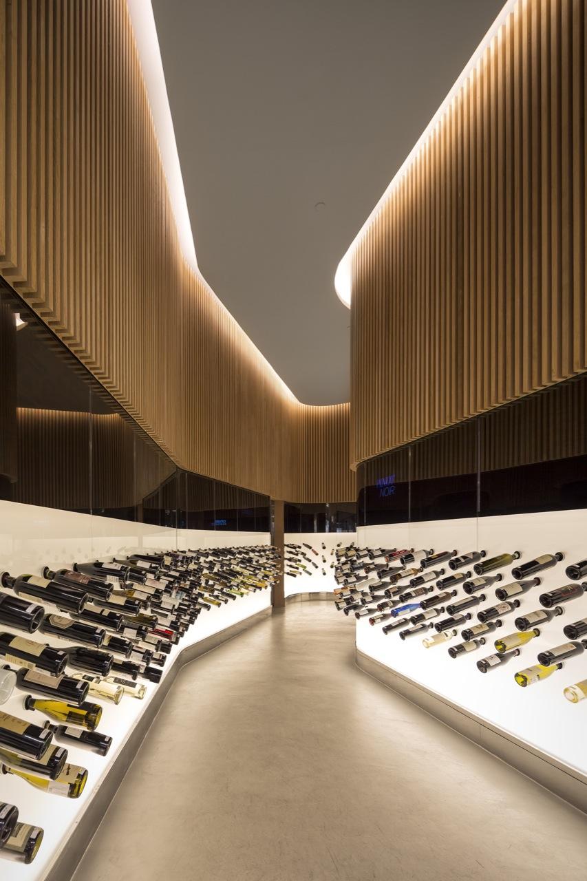 A Loja Mistral JK é o melhor projeto de arquitetura de 2012 segundo a Interior Design , © FG+SG - Fernando Guerra, Sergio Guerra