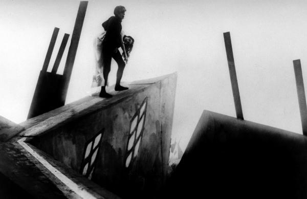 """Cinema e Arquitetura: """"O Gabinete do Doutor Caligari"""", Cenas do Filme """"O Gabinete do Doutor Caligari"""""""