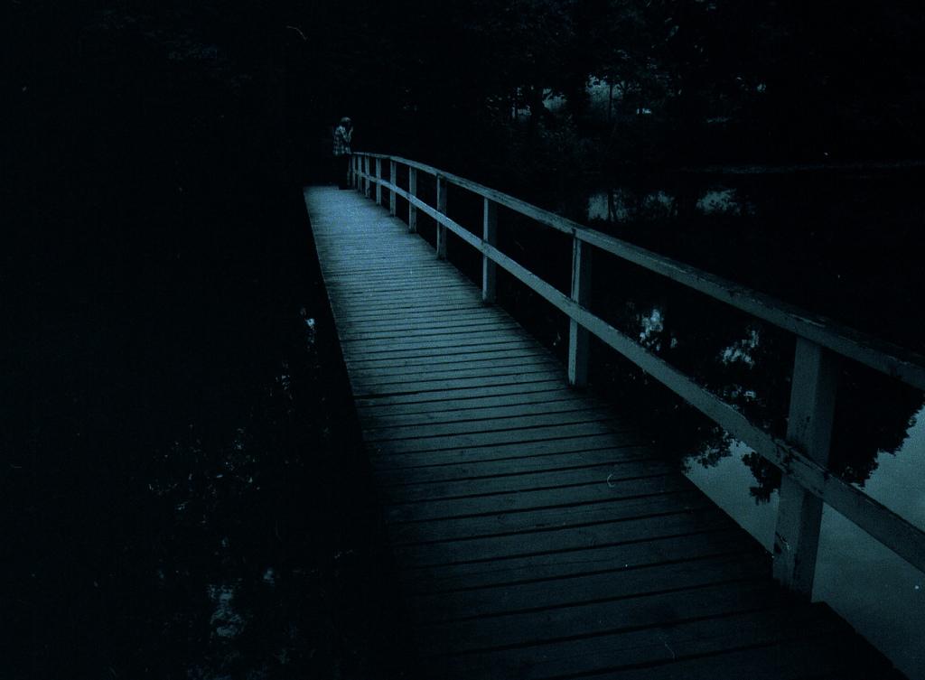 Poesia e Arquitetura: Blue / Jorge Teillier, © flickr Mikko Itälahti