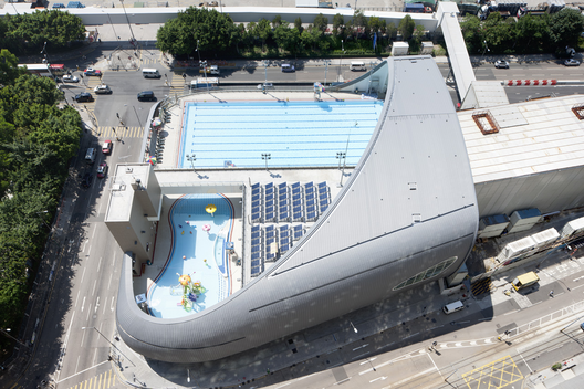 Kennedy town swimming pool tfp farrells archdaily - Swimming pool structural engineer ...