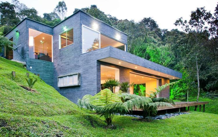"""House """"Lago en el cielo"""" / David Ramírez Arquitectos, © Camilo Duque"""
