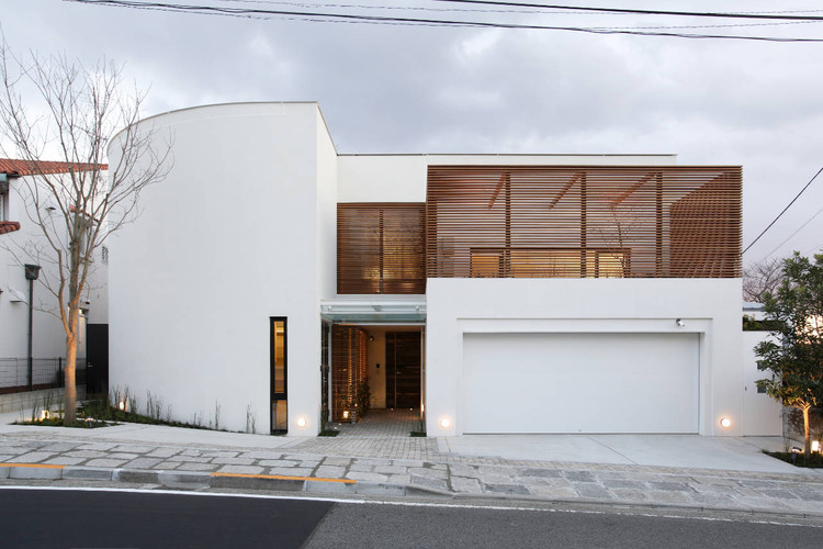 House on the Bluff / Edward Suzuki Associates, © Yasuhiro Nukamura