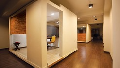 White Canvas & 22 feet office / Kamat & Rozario Architecture