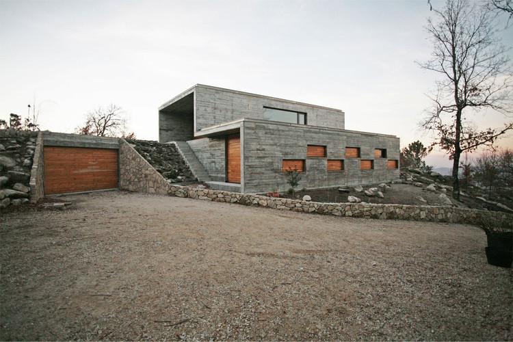 House in Serra de Freita / Oficina d'Arquitectura, Courtesy of Oficina d'Arquitectura