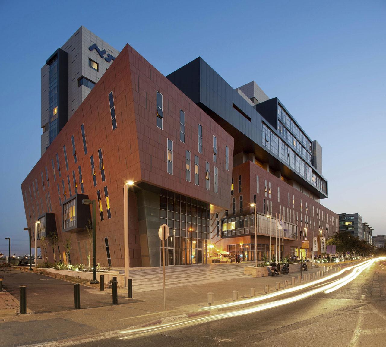 Assuta medical center zeidler partnership architects for O architecture brest