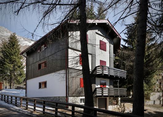 C House / ES-arch