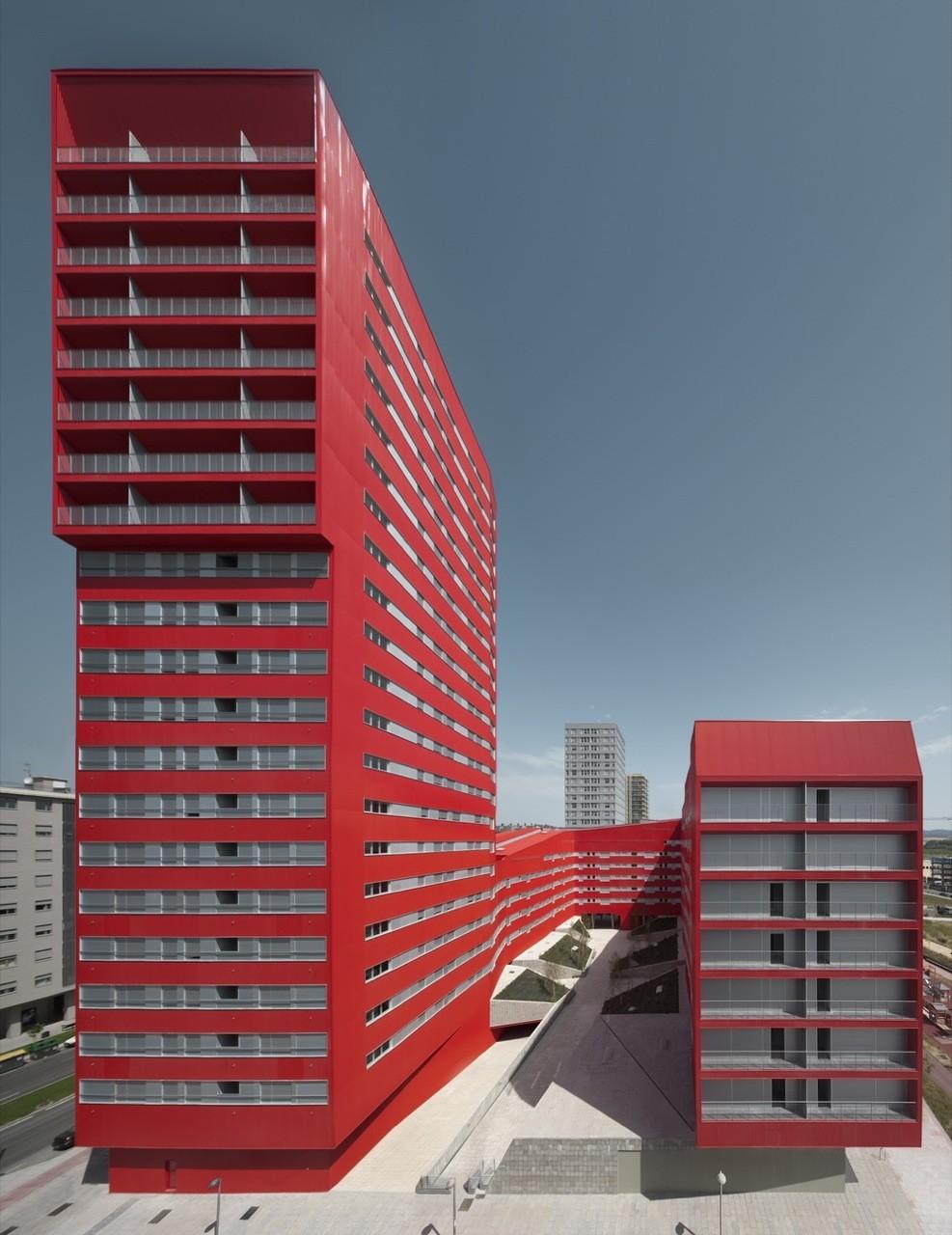 242 Social Housing Units in Salburúa / ACXT, © Aitor Ortiz