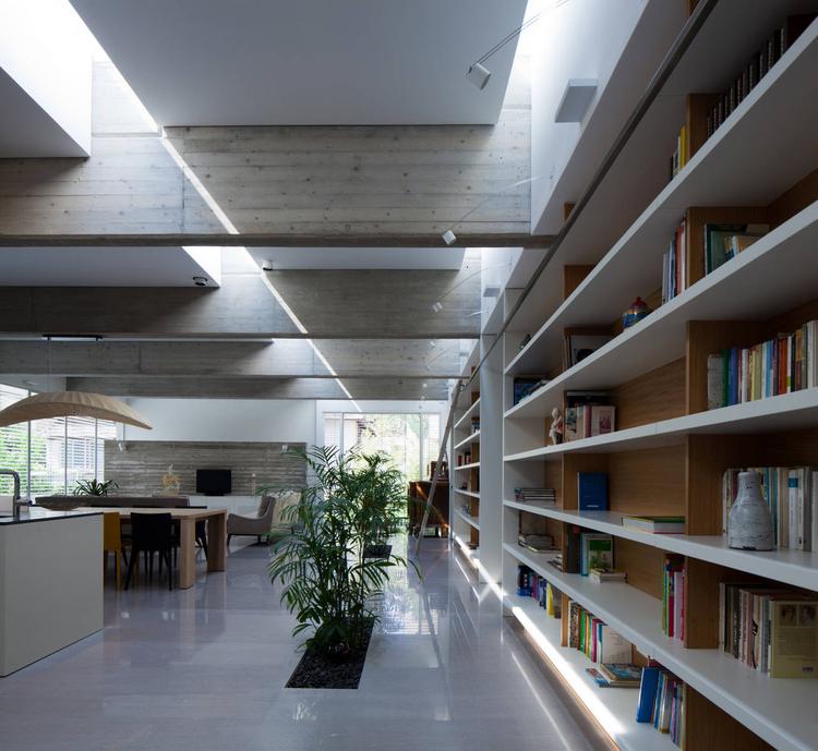 Uzi Porat & Pathway House / Jacobs-Yaniv Architects | ArchDaily