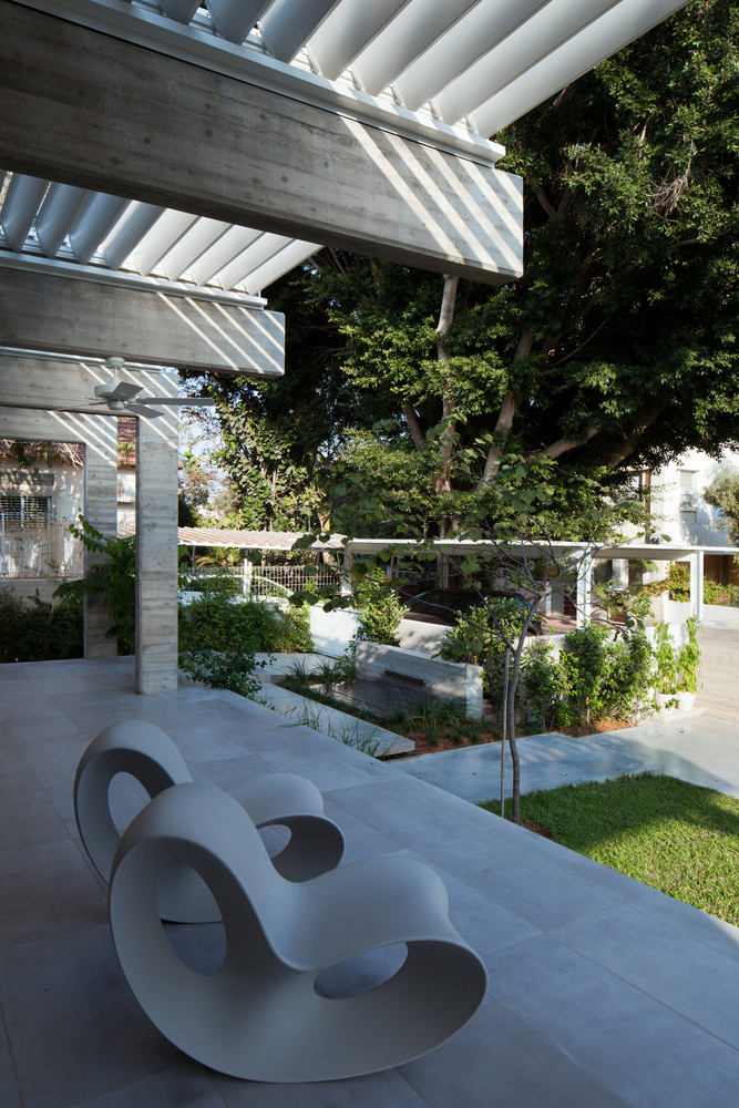 Pathway House© Uzi Porat & Gallery of Pathway House / Jacobs-Yaniv Architects - 11