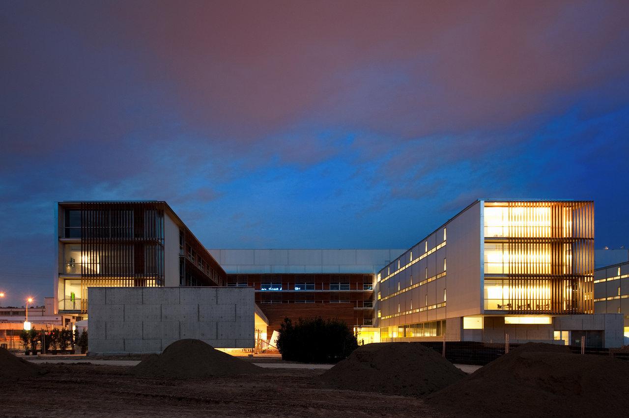 Hospital of Sant Joan Despi Doctor Moises Broggi / Pinearq + Brullet-De Luna Arquitectes, © FG+SG