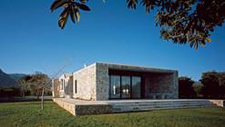 Rodia Stone House / Nikos Smyrlis Architect