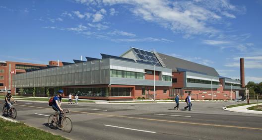CANMET Material Technology Laboratory / Diamond Schmitt Architects