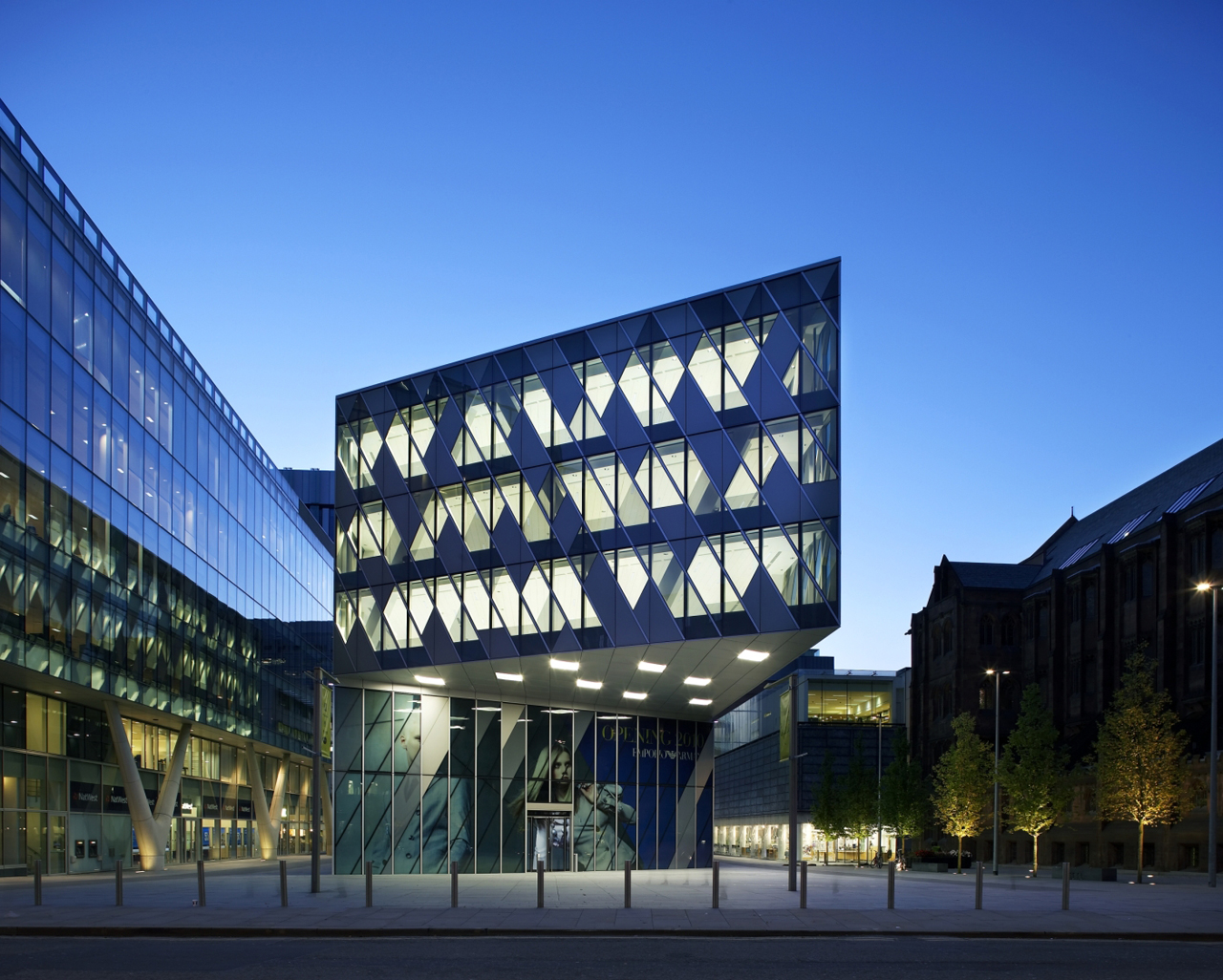 The Avenue / Sheppard Robson, © Hufton+Crow