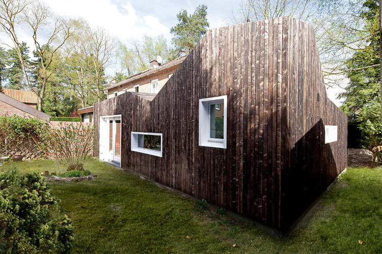 Shou Sugi Ban / BYTR Architects, © Ossip van Duivenbode