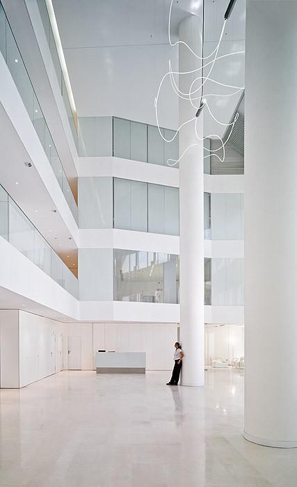 New Headquarters Of Garrigues / EDDEA, © Javier Orive