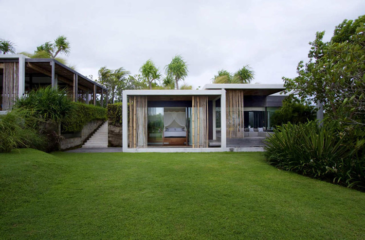 Tantangan Villa / Word of Mouth Architecture, © MochSulthonn
