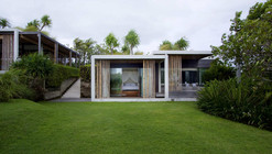 Tantangan Villa / Word of Mouth Architecture