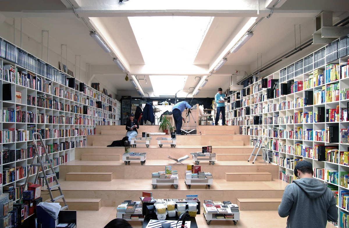 Bookshop And Coffee Bar / Plural + Totalstudio, Courtesy of Plural, Totalstudio