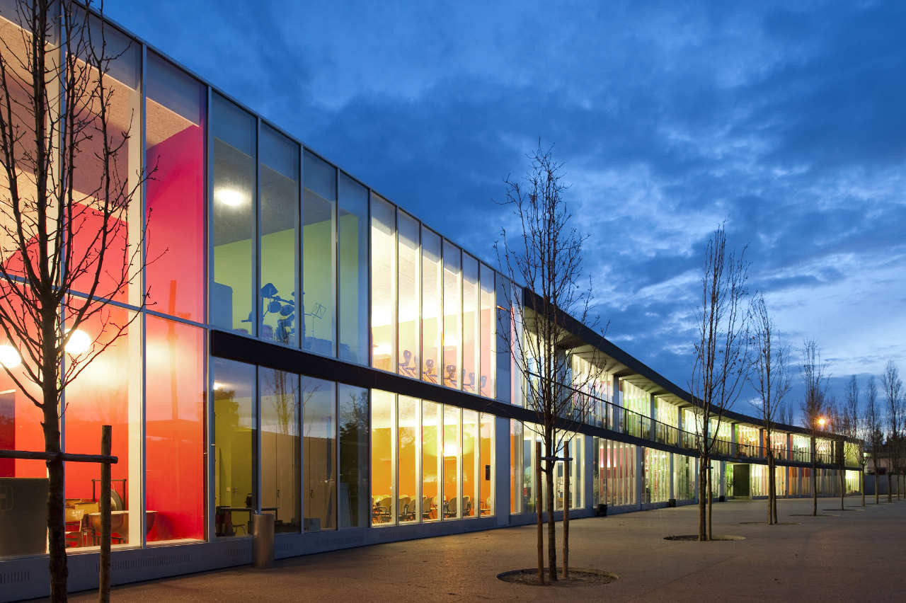 Renovation and extension of the german school in lisbon for Restaurante escuela de arquitectos madrid