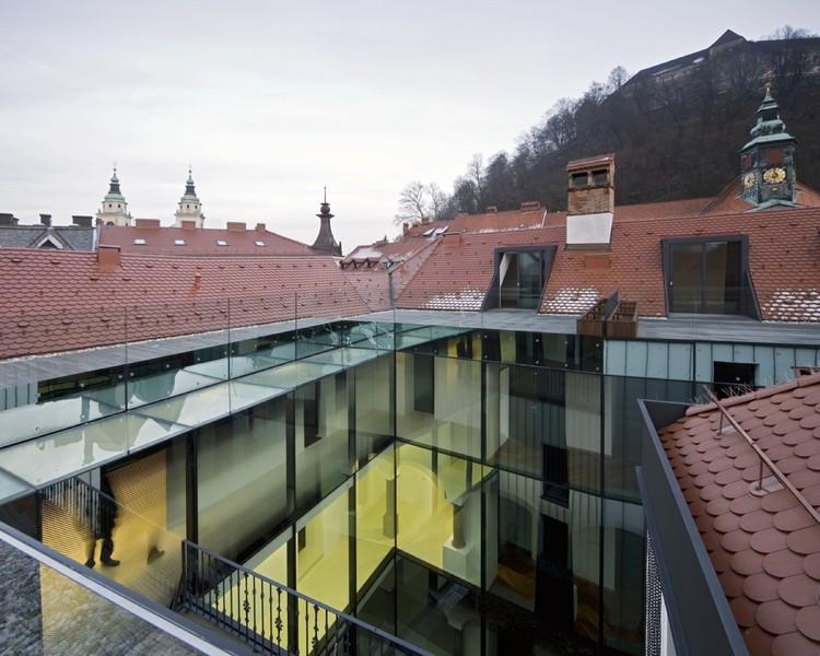 Baroque Court Apartments / OFIS arhitekti