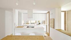 An Urban Refuge / Sergi Pons Architecte