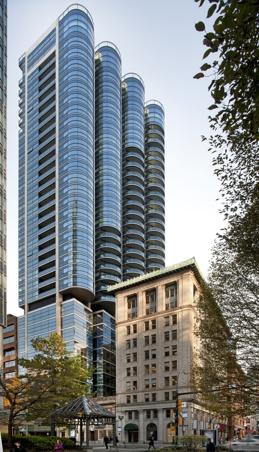 Jameson House / Foster + Partners